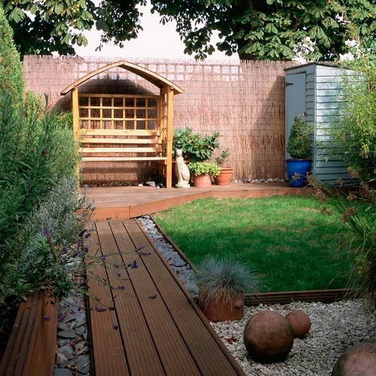 Small Garden Designs: Traditional Garden Pictures
