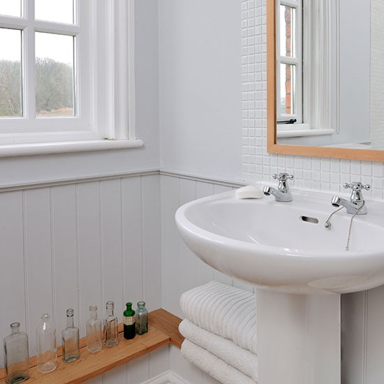 Grey And White Panelled Bathroom: White Panelled Bathroom