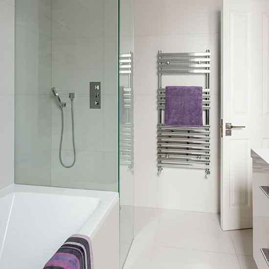 Purple Bathroom Pictures: White Bathroom With Purple Accessories