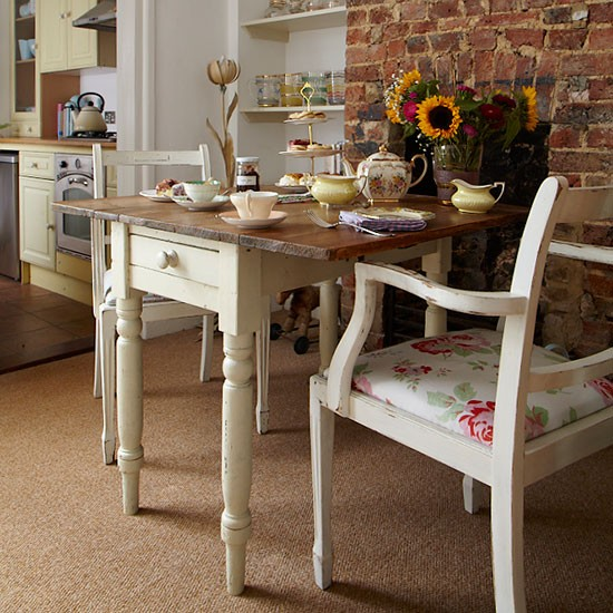 Cottage Style Dining Room: Check Out This Vintage-style Edwardian