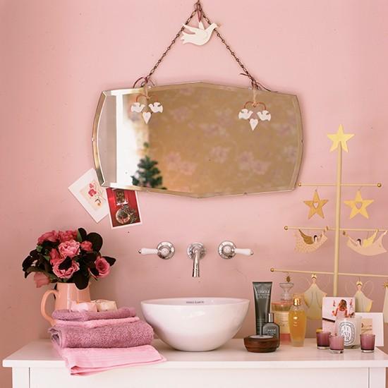 Bath Kitchen Decor: Vintage Pink Bathroom Scheme