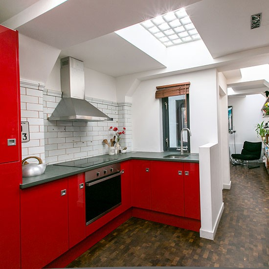 Red Kitchens With White Cabinets: Red And White Kitchen