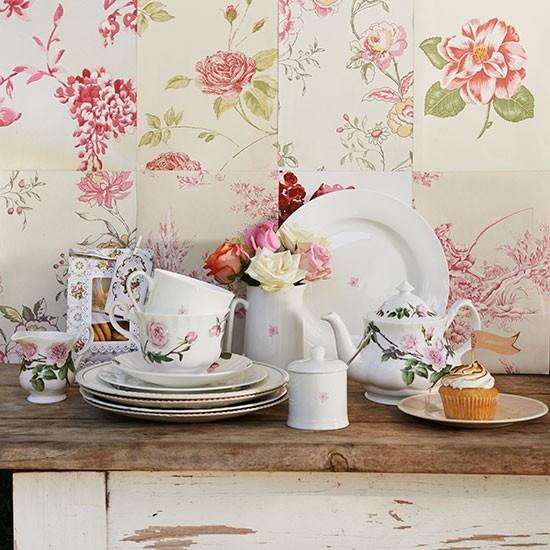 Shabby-chic kitchen with floral wallpaper | Garden ...