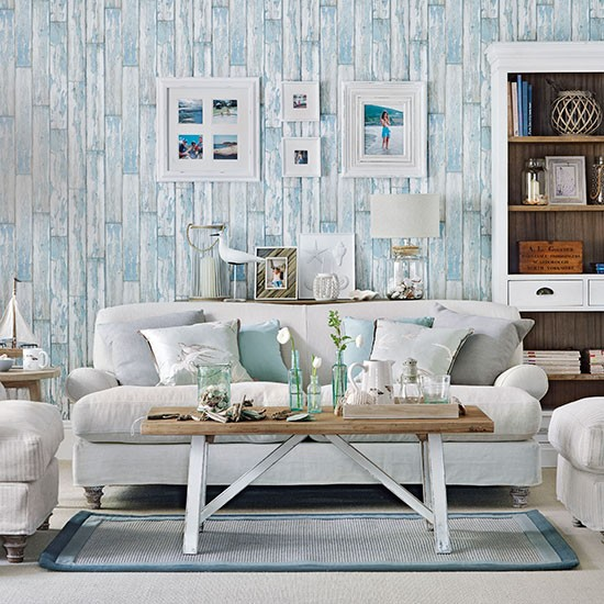 Beachy Living Room Big On Wall Decor: Coastal Living Room With Wood-effect Wallpaper