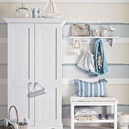 Blue Seaside Decorating Small Apartment Living Room: Fresh Blue And White Coastal Hallway