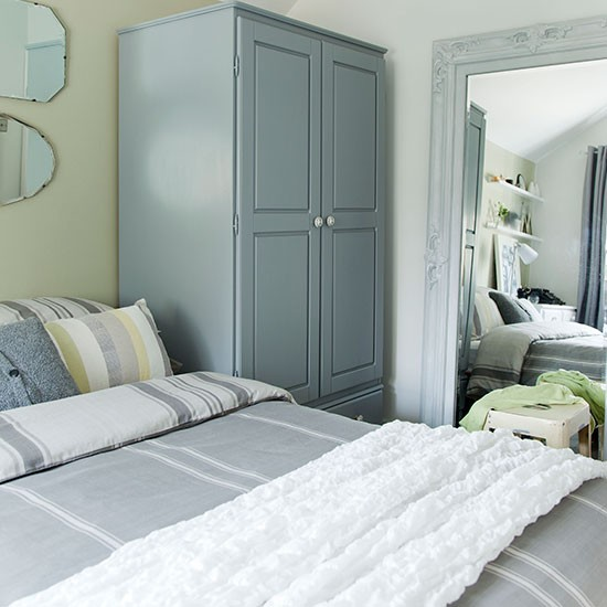 Green And Grey Bedroom: Grey And Olive Green Bedroom