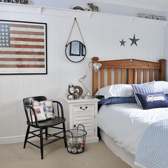 Cool Coastal-style Teenager's Bedroom