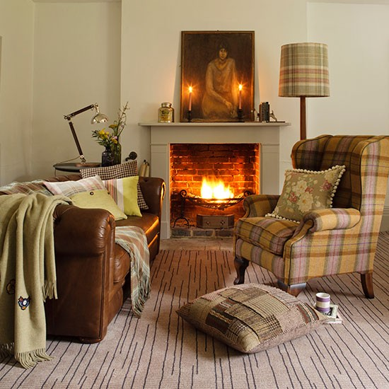 Plaid Furniture Country Living Room: Earth-toned Living Room