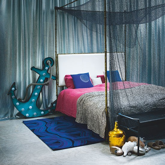 Modern Bedroom With Four Poster Bed Bedroom Decorating