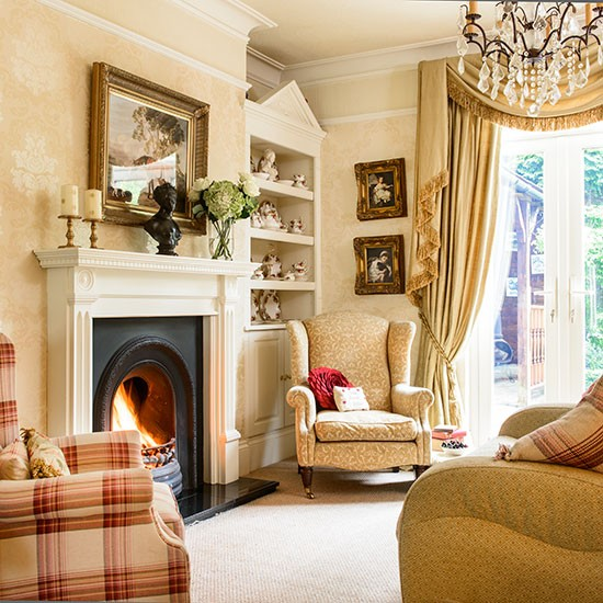 Beautiful Homes Decorating Ideas: Traditional Country House Style Living Room
