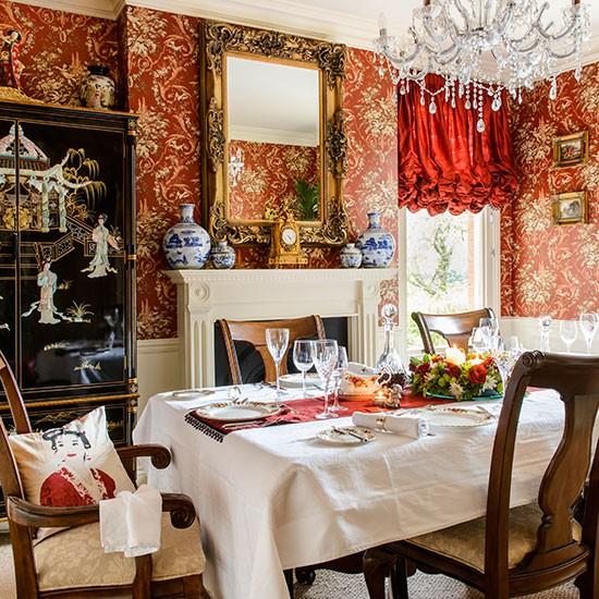 Dining Rooms From The Orient: Opulent Oriental-style Dining Room