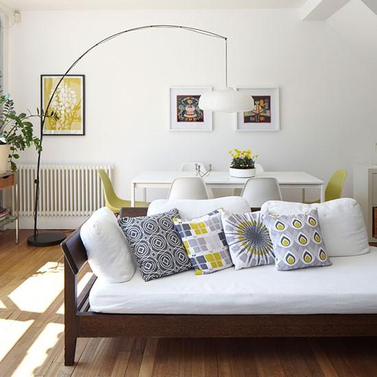 Open Plan Living Room Decor: Mid-century Style Open-plan Living Room