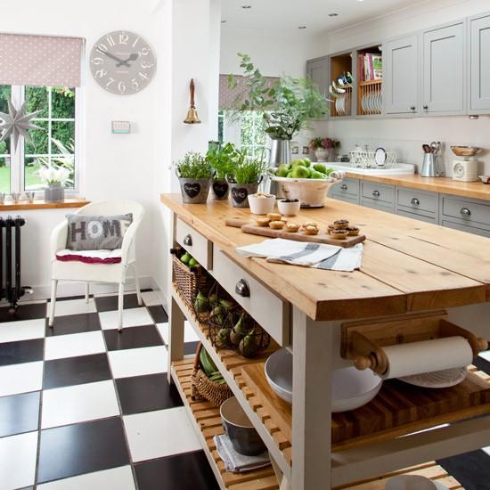 White Country Kitchen B Q: Grey Country Kitchen