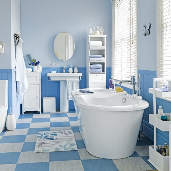 Blue and white hardworking bathroom family bathroom - Blue and white bathroom decorating ideas ...