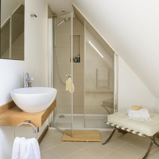 En Suite Bathrooms For Small: Space-saving Family Bathroom