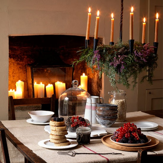 Rustic Chandeliers For Dining Room: Rustic New Year's Eve Dining Room With Candle Chandelier