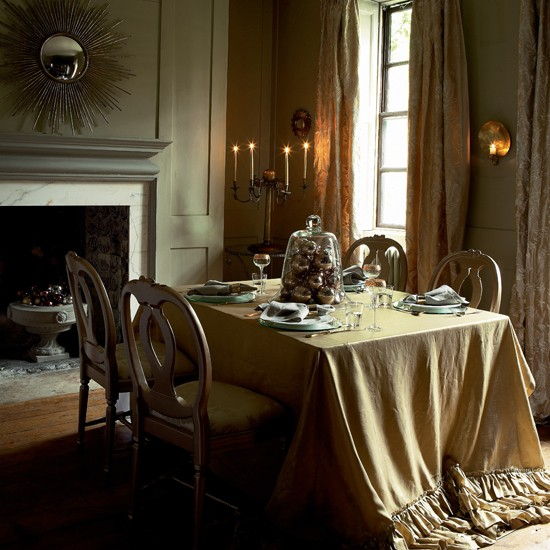 Opulent Gold Christmas Dining Table