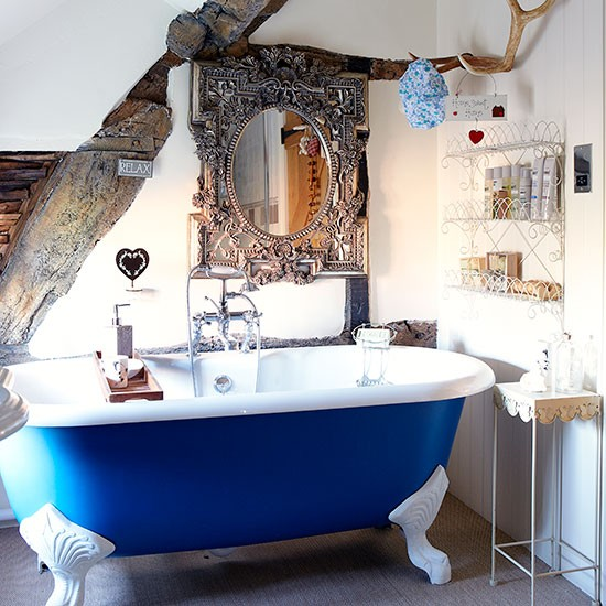 Country bathroom with blue roll top bath decorating - Cobalt blue bathroom accessories ...