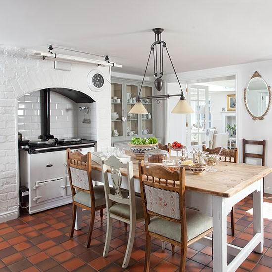 Housetohome Co Uk: White Kitchen With Terracotta Flooring