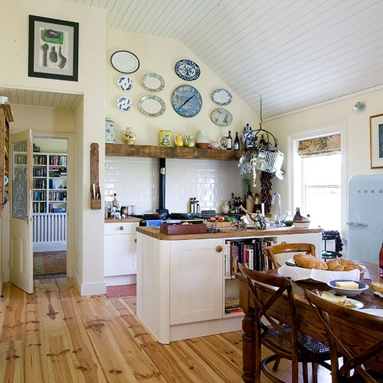 Country Kitchen Decorating Ideas: Cream And Oak Country Kitchen