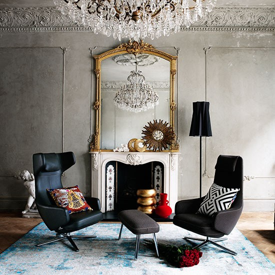 Mirrors Living Room: Living Room With Mirror And Chandelier