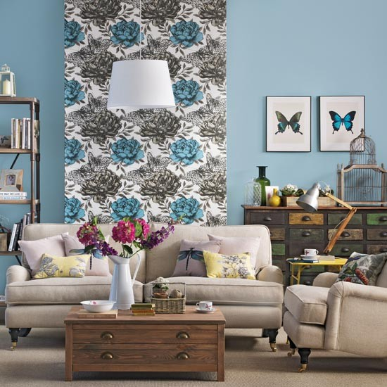 Living room with floral wallpaper feature wall - Feature wall ideas living room wallpaper ...