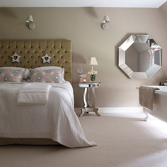modern bedroom with mirrored furniture | decorating