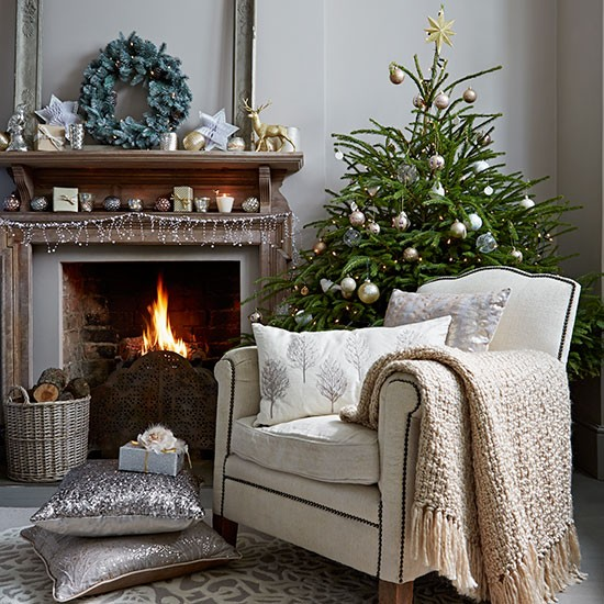 5 Bedroom Ideas For Autumn From The White Company: Neutral Christmas Living Room With Decorations