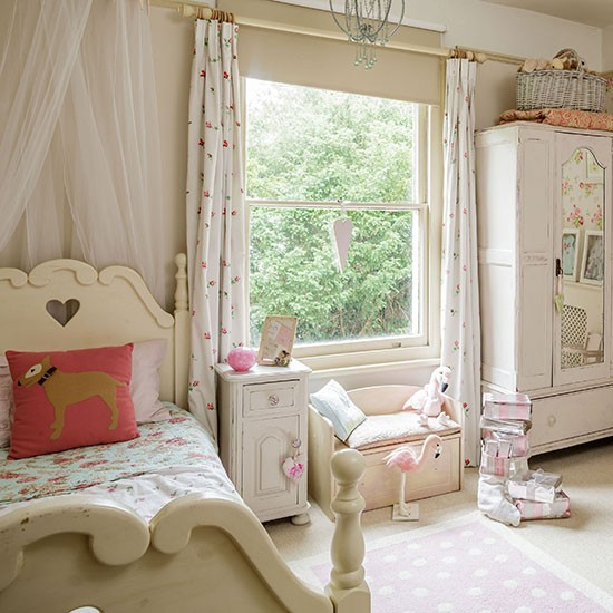 Shabby Chic Bedrooms: Neutral Shabby-chic Girl's Bedroom