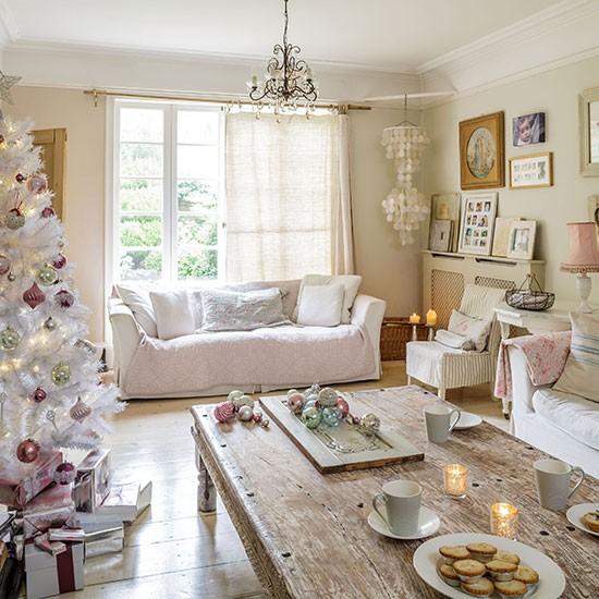 Home Decorating Co Com: Pastel Christmas Living Room