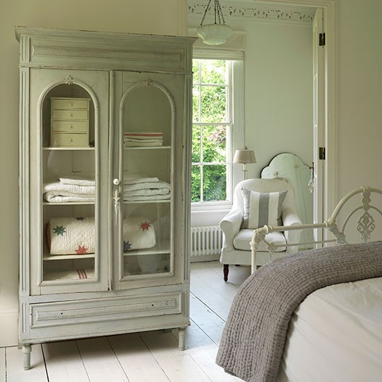 Grey Shabby Chic Bedroom: Grey And White Bedroom With Armoire