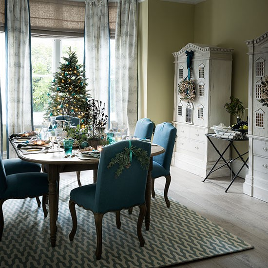 Teal Dining Room: How To Decorate A Living Room In Teal Green Ehow