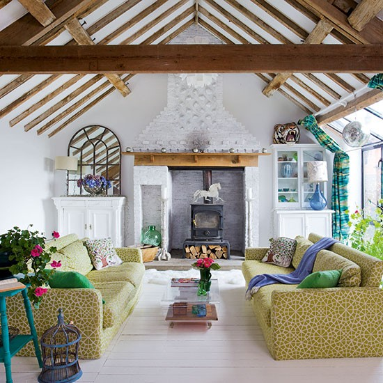 Open Plan Living Room Decor: Eclectic Living Room With Beams