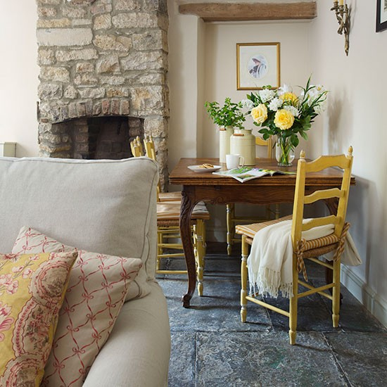 Country Rustic Living Room: Rustic Country Living Room With Stone Fireplace