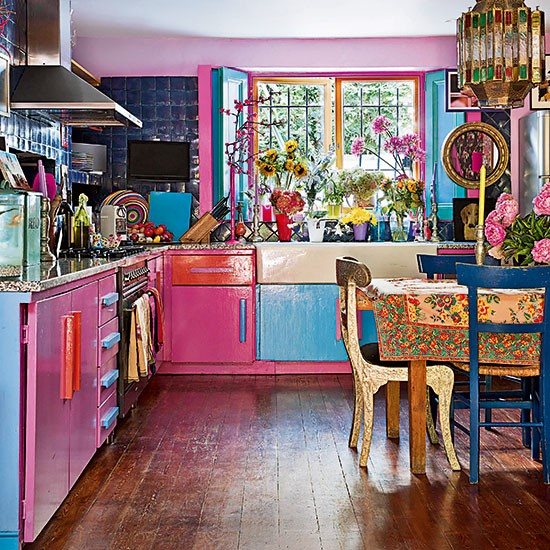 Home Kitchen Decor: Eclectic Pink And Blue Kitchen