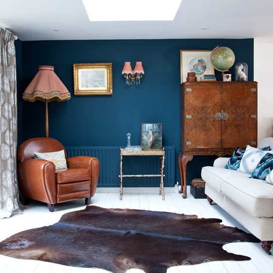 Living room with blue feature wall easy living room - Feature wall living room ...