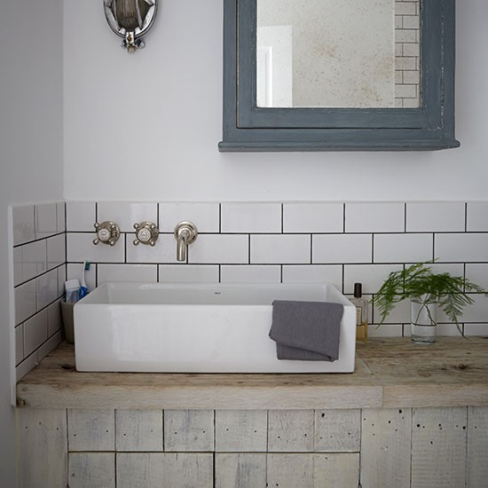 Flat Paint Bathroom: Victorian Terrace Flat In London