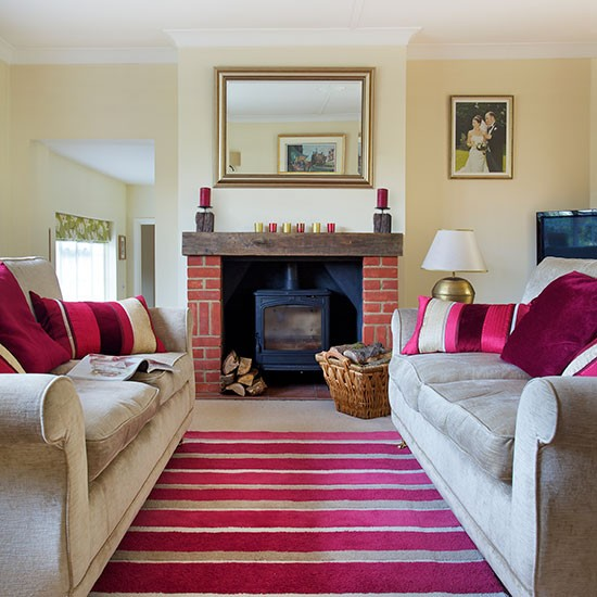 Traditional Living Room Decorating Ideas: Traditional Living Room With Pink Accents