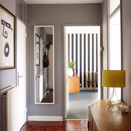 Hallway Decorating Ideas House: Narrow Hallway With Carefully Positioned Mirror