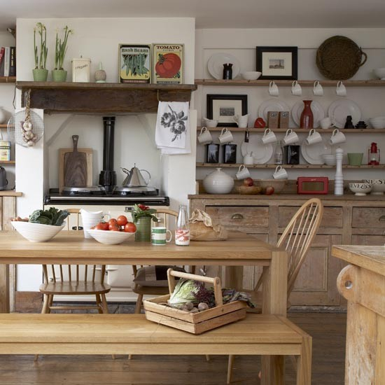 Family Kitchen Design Ideas For Cooking And Entertaining: Rustic Country Kitchen-diner
