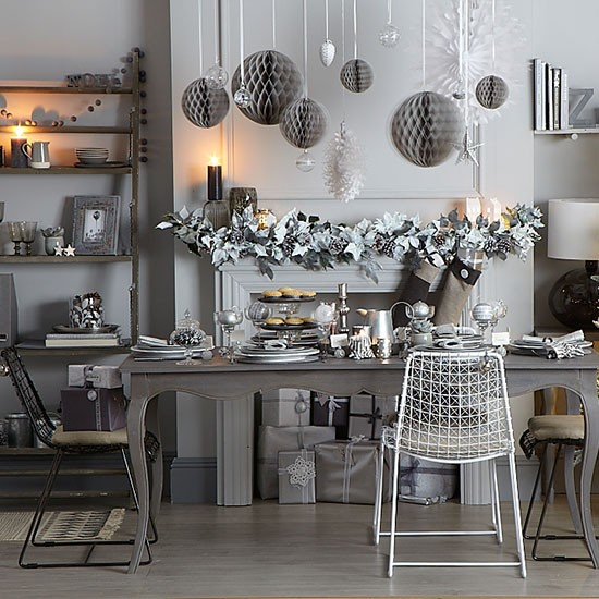 Silver Dining Room: Silver And Grey Christmas Dining Room