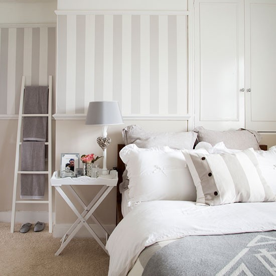 Cream Bedroom Decor: Decorating With Country Colours