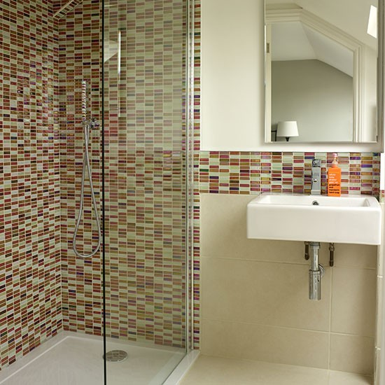 Mosaic Bathroom Tile Ideas: White Bathroom With Mosaic Tiles