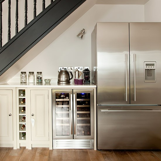 Grey Panelling Under Stairs: Modern Grey-painted Kitchen