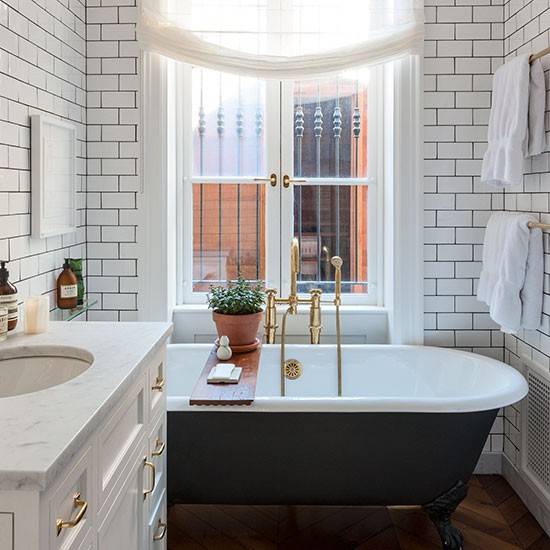 Grey Country Bathroom With Rolltop Bath: White Tiled Modern Bathroom With Painted Roll-top Bath