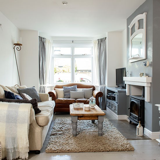 Cosy grey and white living room decorating housetohome - Black and white and grey living room ...