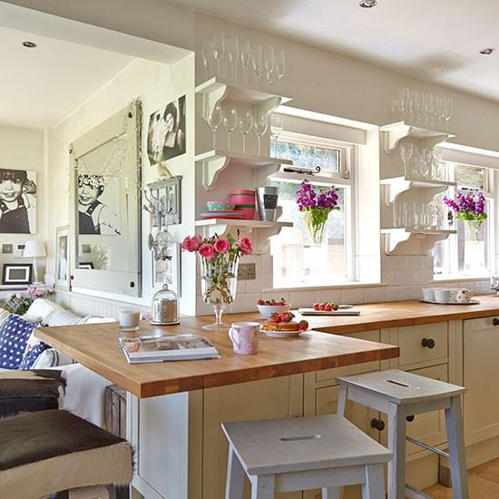 Bright Kitchen: Neutral Country Kitchen With Bright Decor