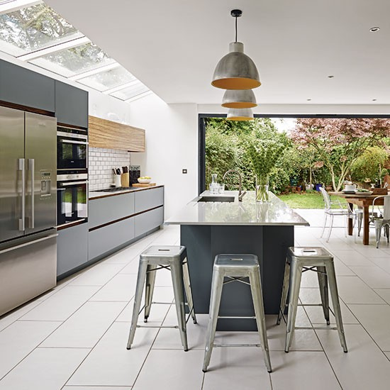 Grey And White Kitchens: Grey And White Kitchen