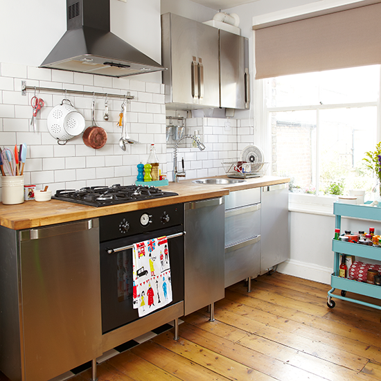 Small Kitchen Design Ideas Uk: Kitchen With Freestanding Units And Trolley