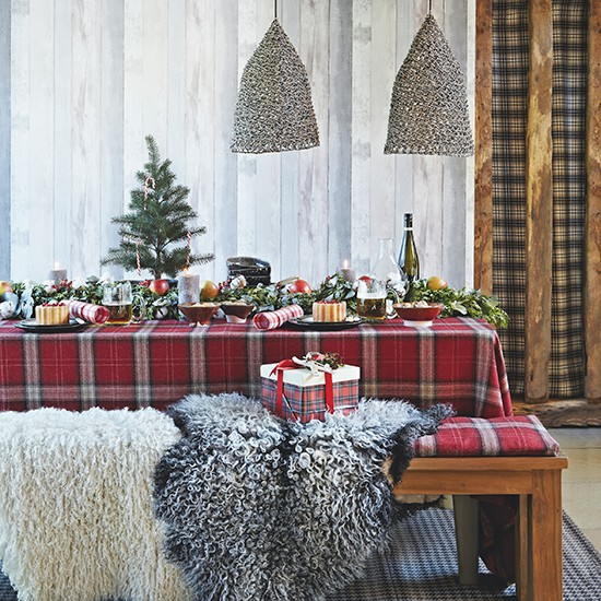 Highland Christmas table with tartan tablecloth   Country ...